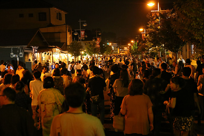 踊り歩くアフリカン音楽 益子夜市 栃木県益子町 とちぎのしゅし